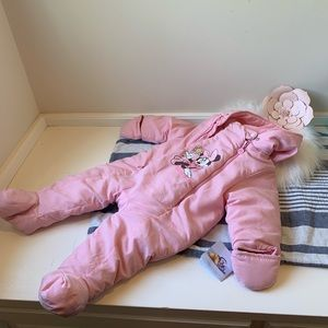 NWT pink Minnie Mouse snowsuit washable